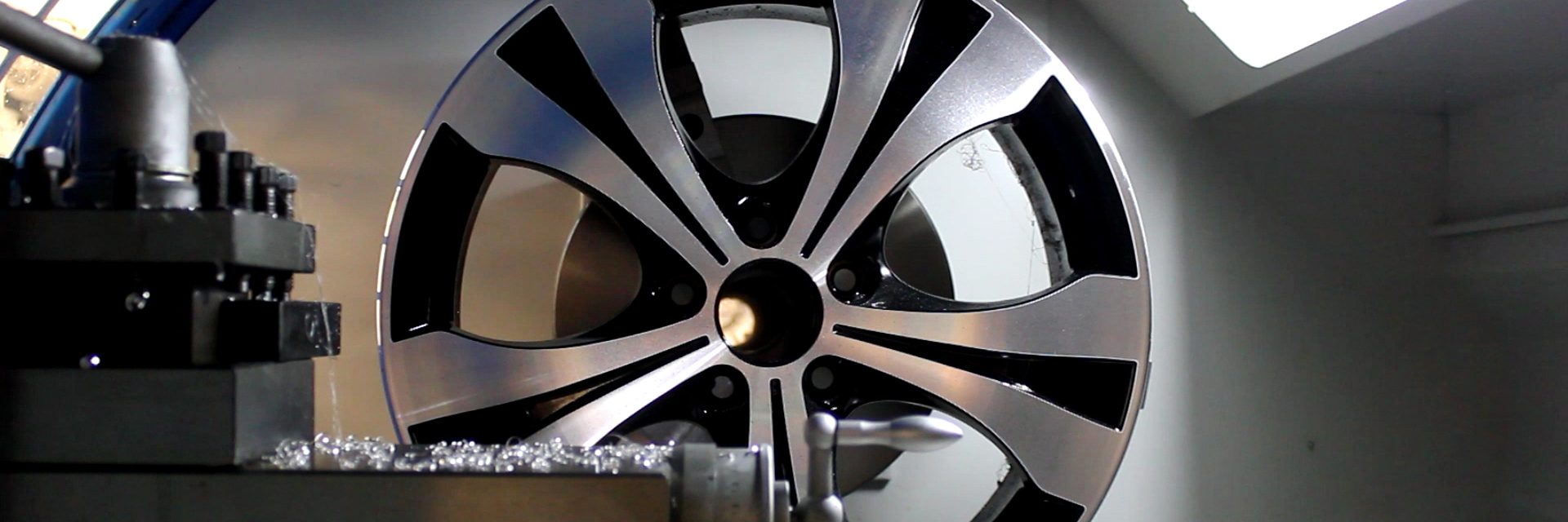 Ayce Systems CNC Lathe diamond cut alloy wheel